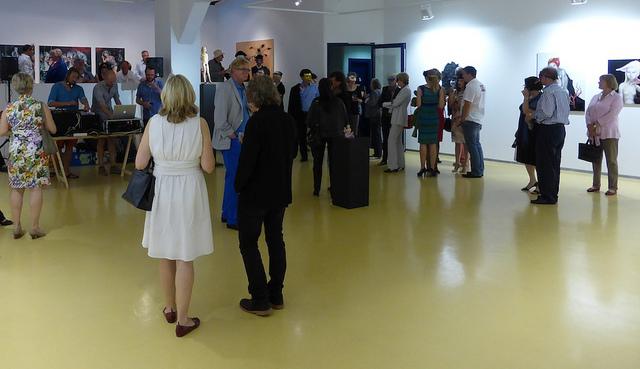 Firmenfeier in einer Galerie (Sommerfest-Ideen)