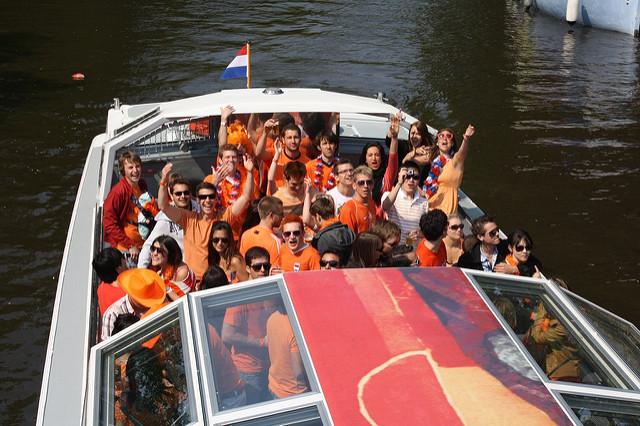 Party-Schiff (Sommerfest-Ideen)